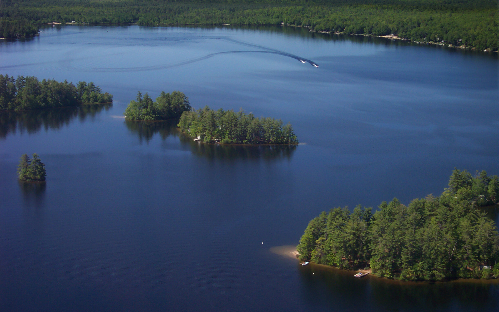 Aerial photo of lake